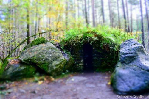 Dunkeld The Hermitage ossian's cave-2